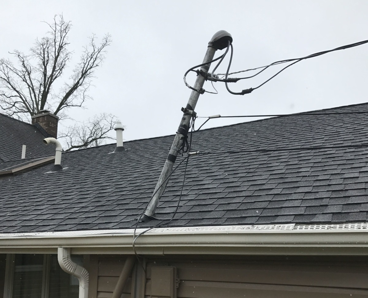 Strong winds a plus electric for House electrical service