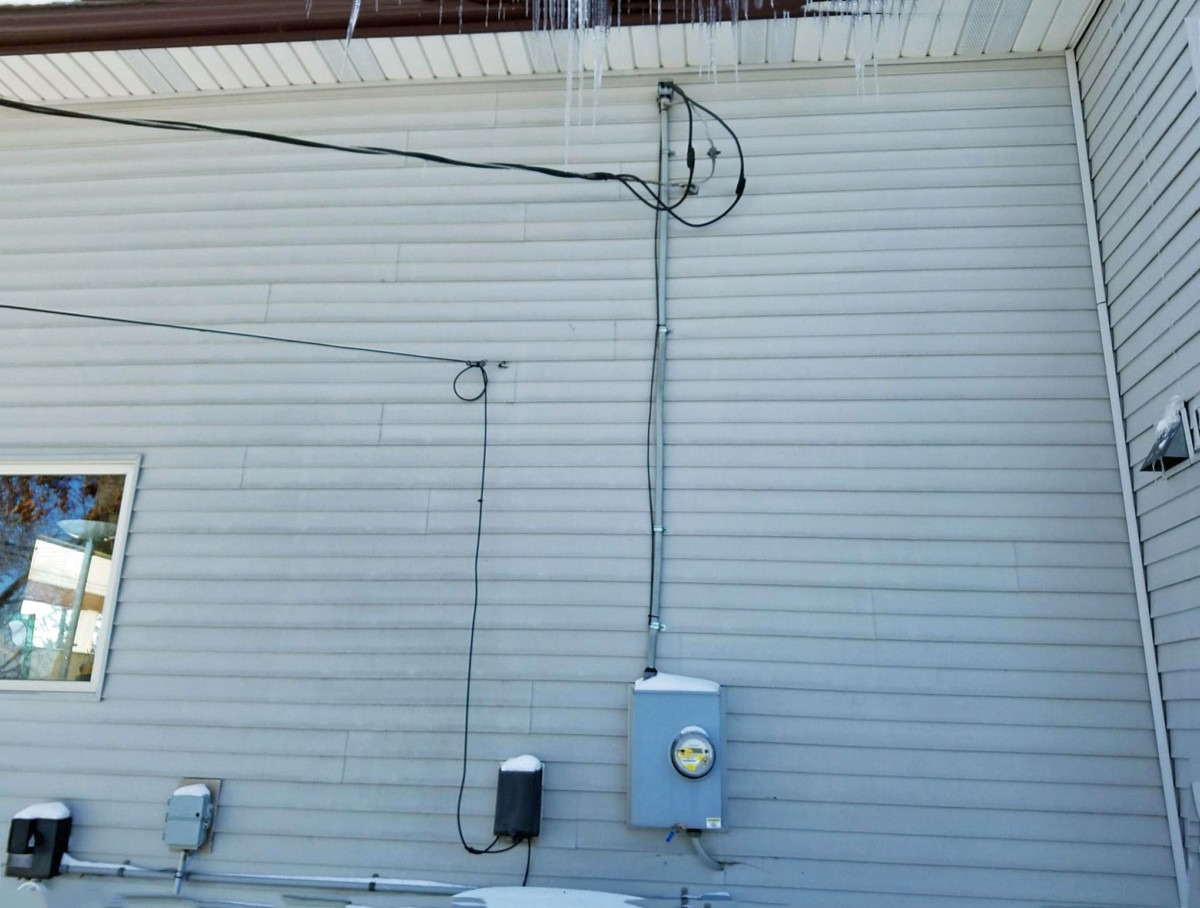 Electrifying Tip Power Line Down A Plus Electric